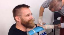 Martijn Wismeijer getting NFC chip implants. Photo Martijn Wismeijer/ Twitter